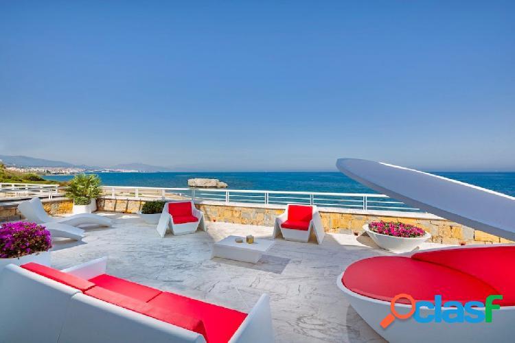 Fabuloso apartamento en un complejo privado en primera línea de playa