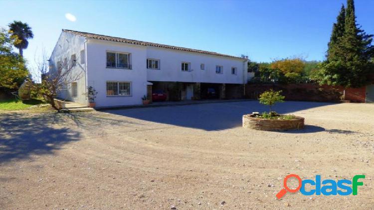 Villa exclusiva con apartamento en venta en san enrique