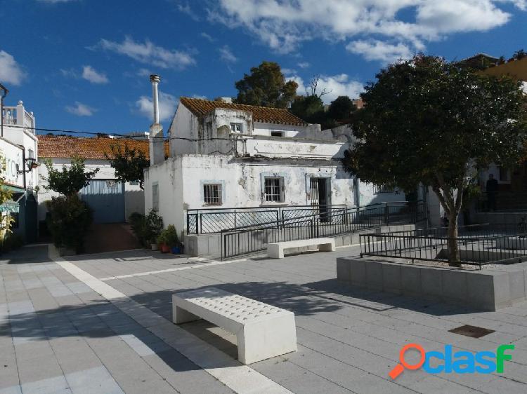 Casa de pueblo que requiere renovación para la venta en San Enrique