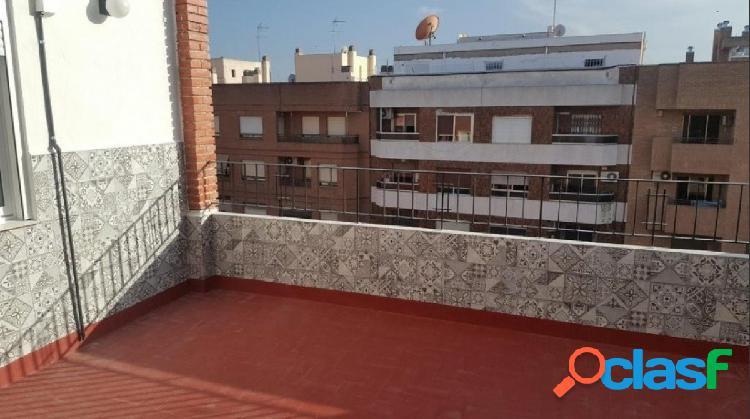 Atico 65+15 metros terraza, reforma a estrenar, 2 habitaciones dobles, orientación sur, muy luminoso