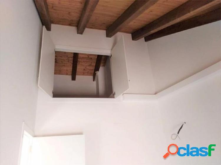 Campanar historico, reforma estrenar, piso 70+6 metros terraza, techos altos a doble vertiente
