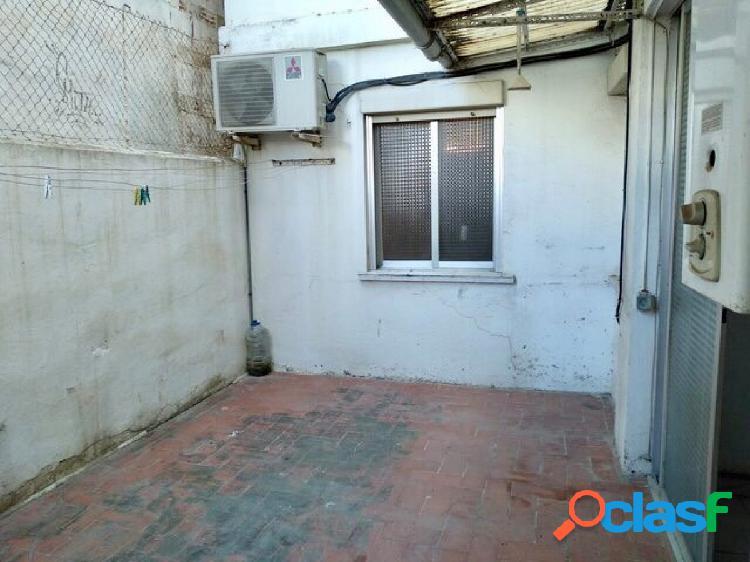Finca caravista+terraza 15 metros, 2 habitaciones dobles, suelos gres, cocina office, 1ª altura, jun