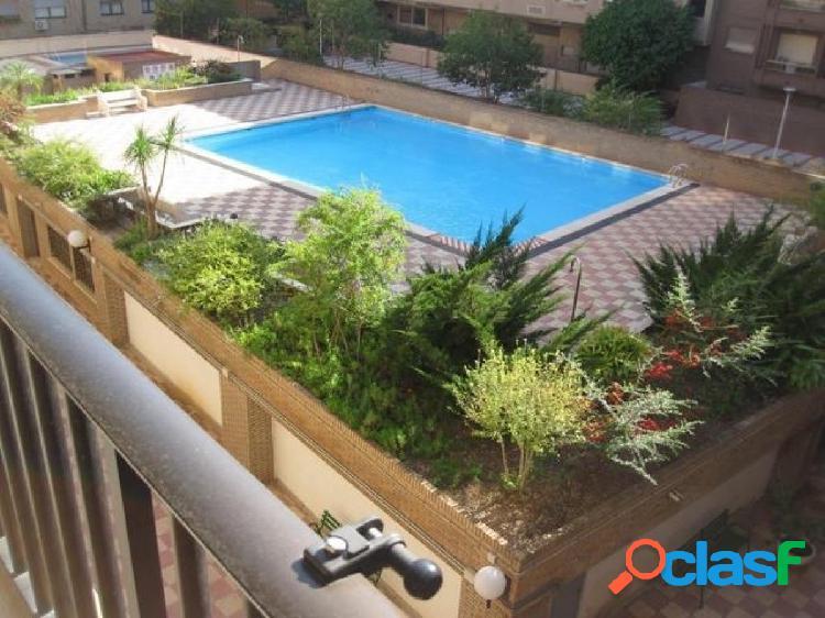 Finca con piscina, 135 metros, 4 habitaciones+2 baños, finca año 1983, 6ª altura, junto finca roja