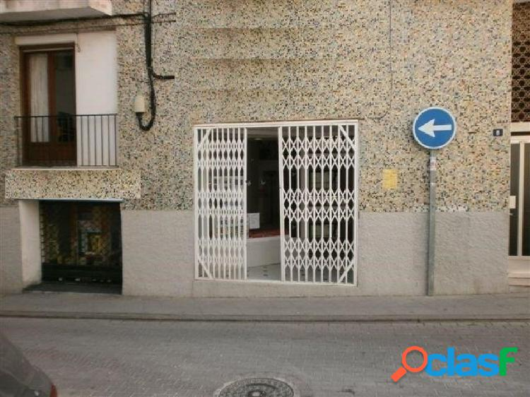 Local comercial de 2 plantas en el casco antiguo de calpe