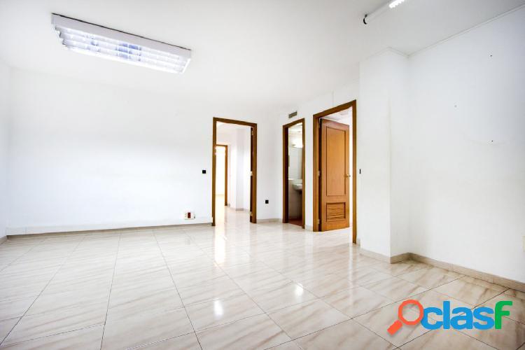 Oficinas de 150 m2 en calle baró de pinopar nº 22