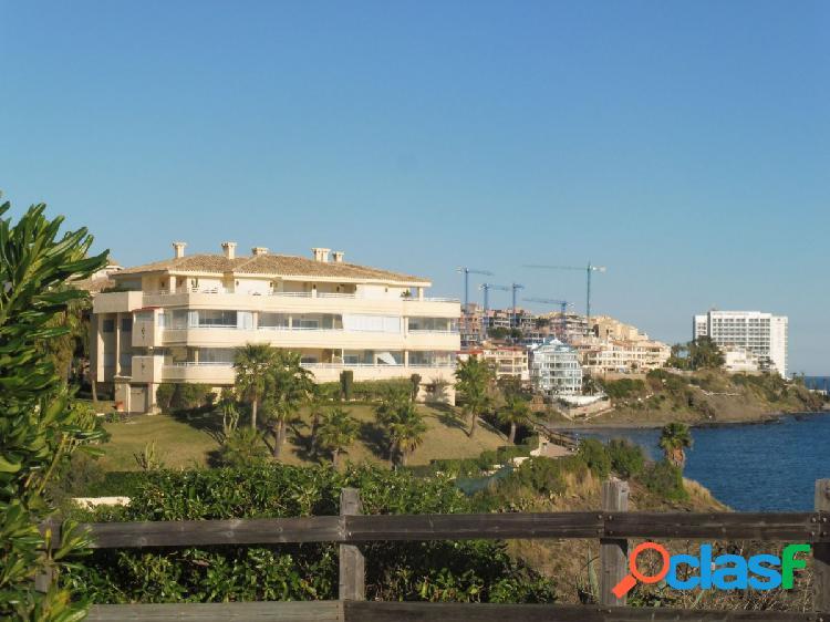 Espectacular apartamento de 3 dormitorios en primera línea de playa