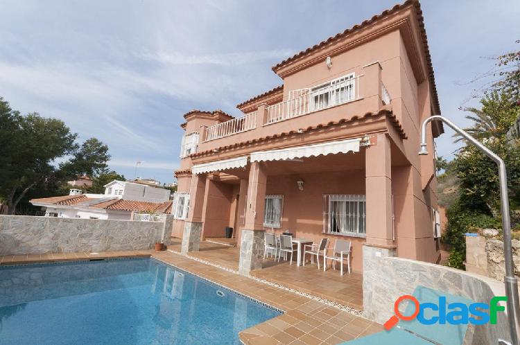 A large 5 bedroom villa from las lagunas de mijas, near fuengirola!