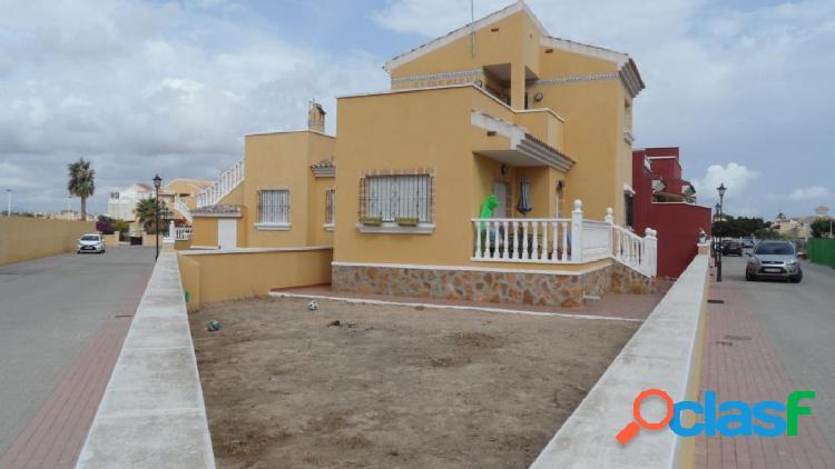 Chalet 3 dormitorios y 2 baños en residencial privado