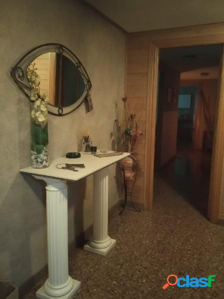 Piso 4 habitaciones zona mayorazga 120.000€