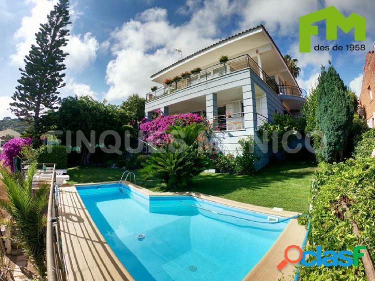 Fantástica casa en el cim de 510 m2 con espectaculares vistas al mar