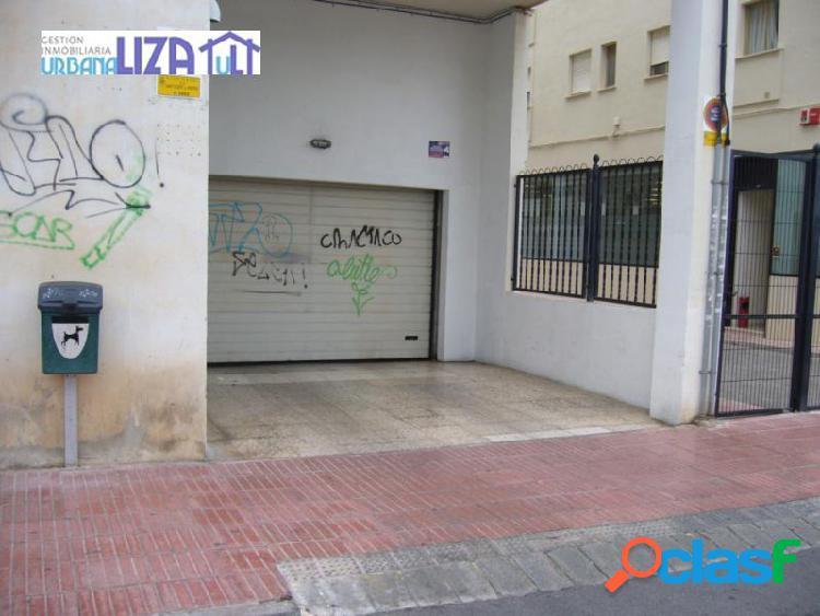 Plazas de garaje junto centro de salud