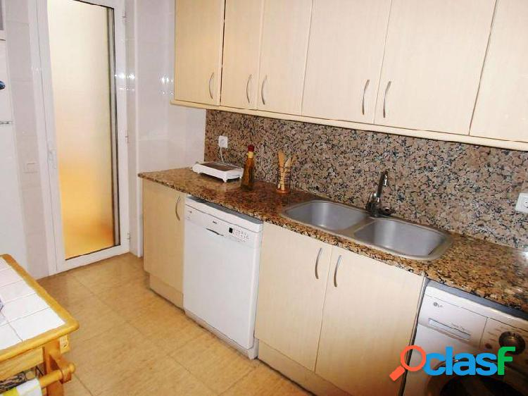 Piso de 140 m2 con 4 dormitorios y ademas un amarre