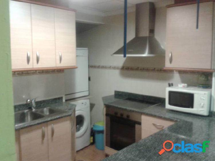 Apartamento de 50 m2 con 2 dormitorios y un vestidor.