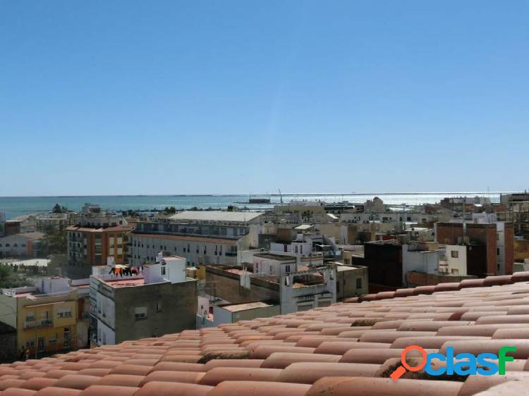 Piso de 85 m2 con 3 habitaciones y vistas al mar