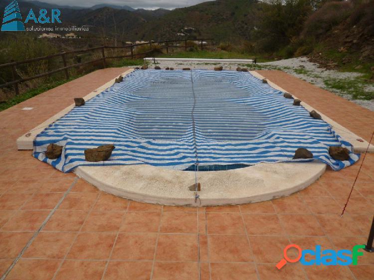 Casa con piscina y terreno de 9000 m2 en arenas