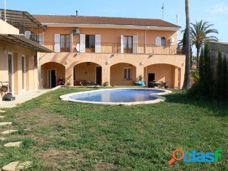 Casa de dos plantas con piscina en portol- marratxí