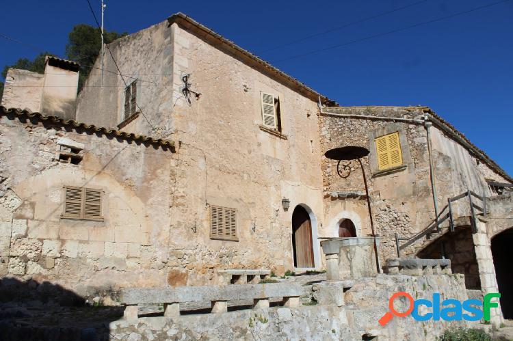 Finca rústica del siglo xiii en crestatx