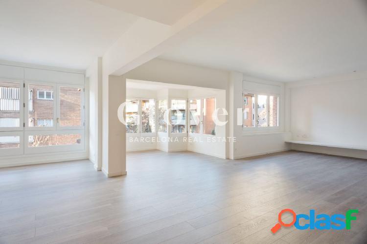 Exclusivo piso reformado en alquiler junto a Escuelas Pías