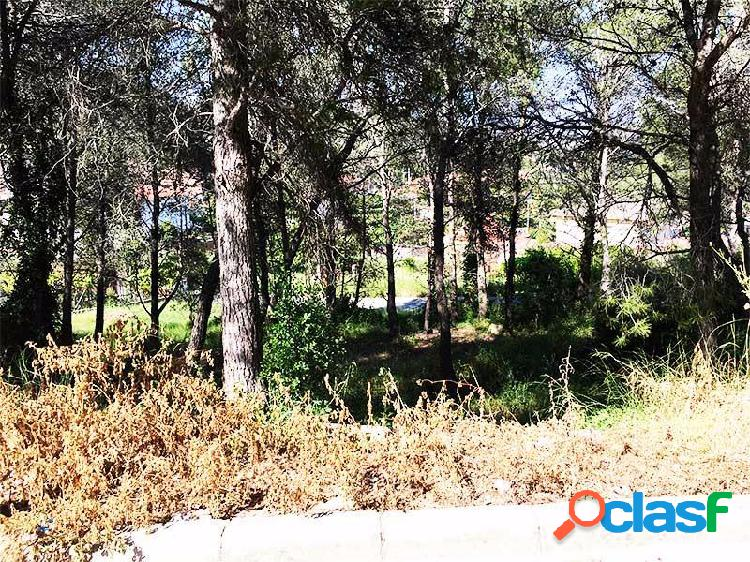 Fantástica Parcela Esquinera en Canyelles Urb. Las Palmeras