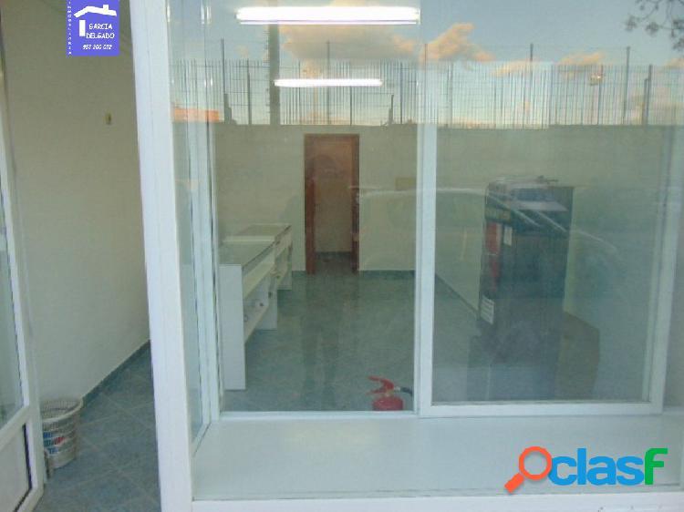 Inmobiliaria Garcia Delgado alquila local en la Chana