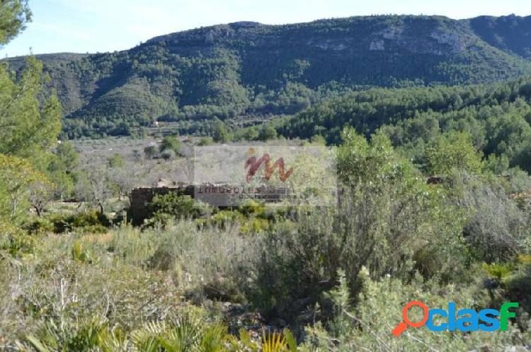 Masía para rehabilitar en pleno Desierto de las Palmas