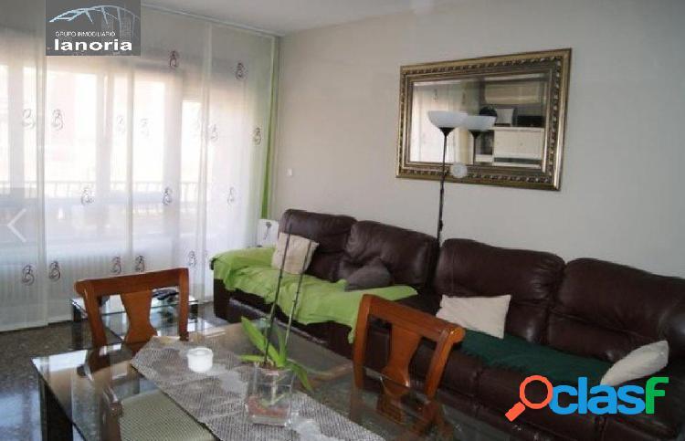 La noria vende piso reformado de 4 habitaciones, en zona parque sur