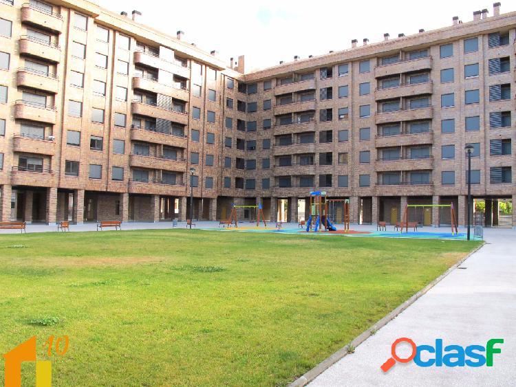 Bonito apartamento de dos dormitorios en urbanización privada con zonas ajardinadas y parque infantil. con vistas a la rivera del rio arlanzon