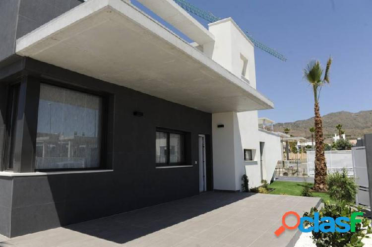 Villa de estilo moderno en un entorno de tranquilidad cercano a todos los servicios