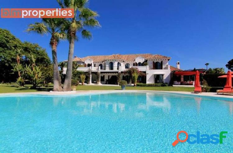 Villa de lujo en el paraiso bajo primera linea de playa, estepona, malaga
