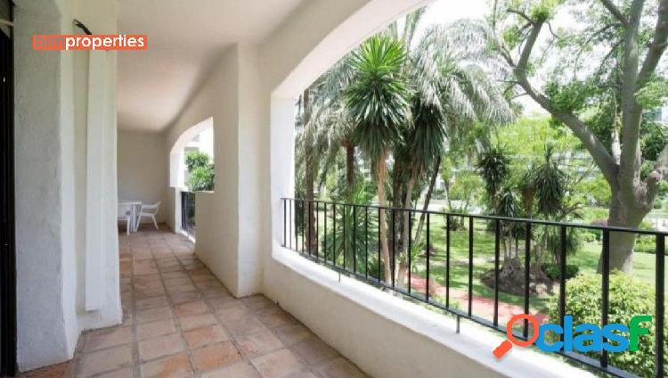 Apartamento en puerto banus,marbella, malaga