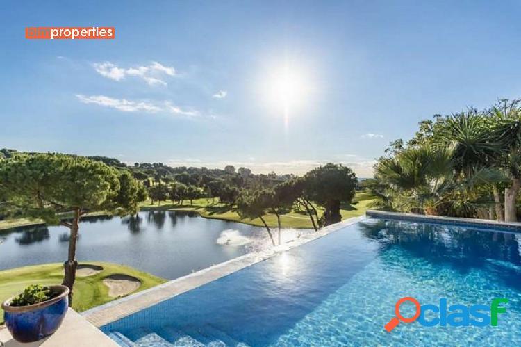 Villa en primera linea de golf, marbella este, malaga