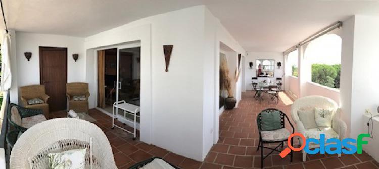 Apartamento en primera linea de golf, la quinta golf, marbella,malaga