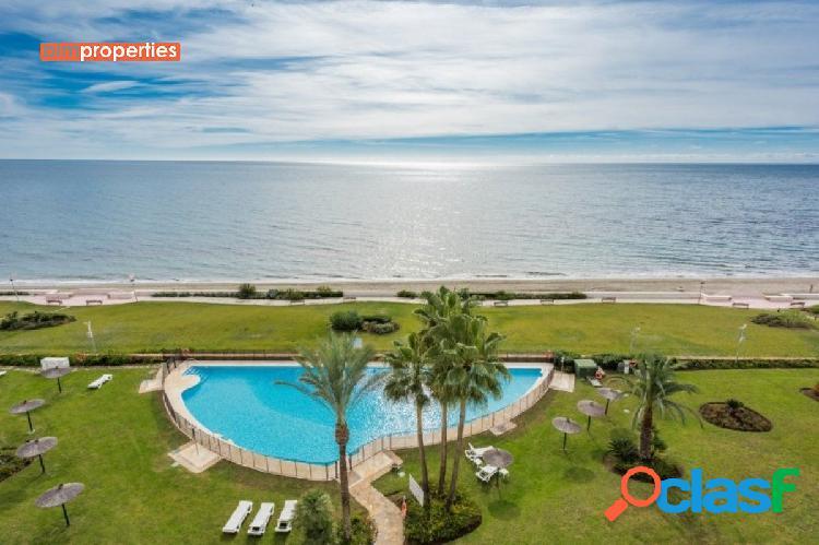 Apartamento en primera linea con vistas al mar en la nueva milla de oro, estepona, malaga