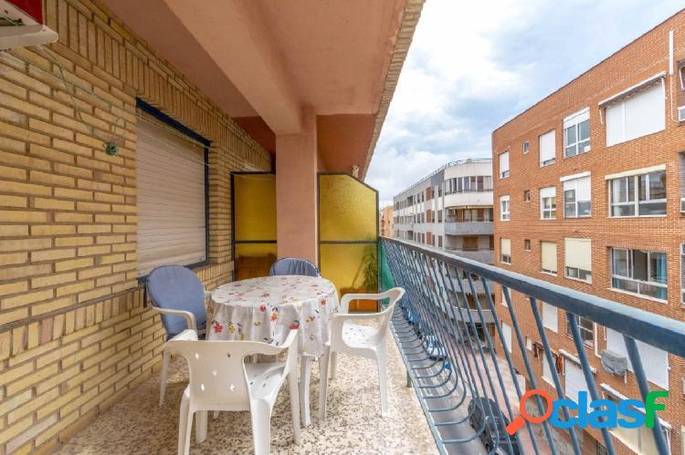 Apartamento 3 dormitorios a 200 m de playa del acequion, en torrevieja