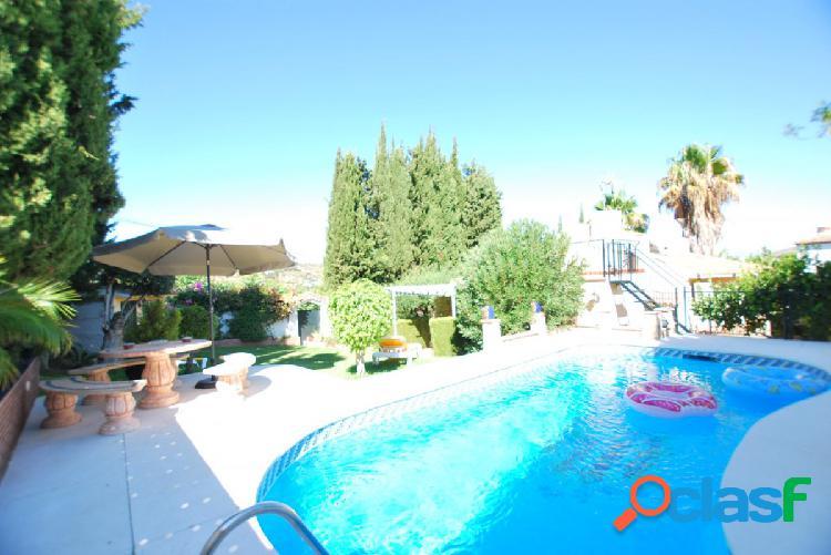 Alquiler de casa en alhaurin el grande, 3 habitaciones y piscina propia