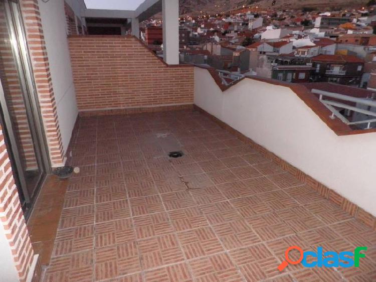 Atico obra nueva a estrenar, 2 dormitorios. 2 baño, terraza 20 metros. muy buena zona, centrico