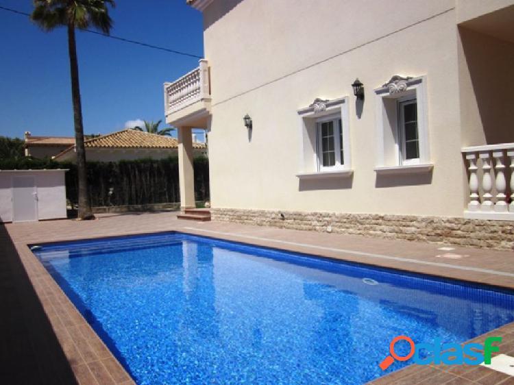 Lujosa villa en cabo roig con 6 dormitorios y cerca playas de arena blanca