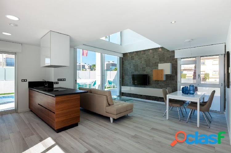 Chalet de diseño moderno de 3 dormitorios, sotano y piscina privada