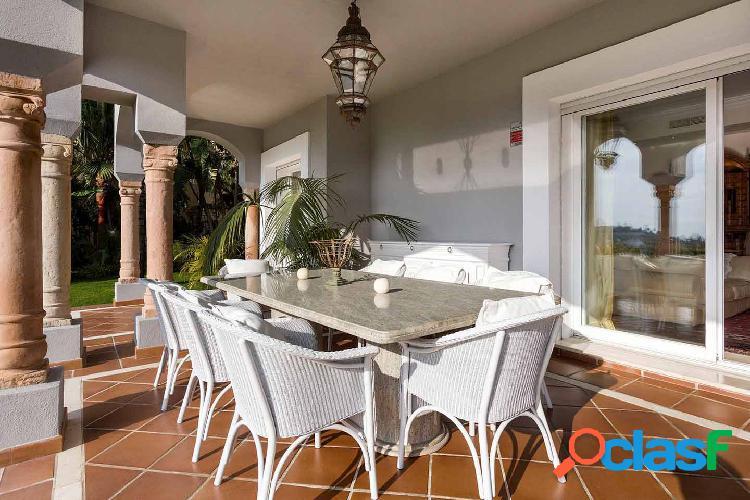 Villa en Benahavís con abono al club de golf 3
