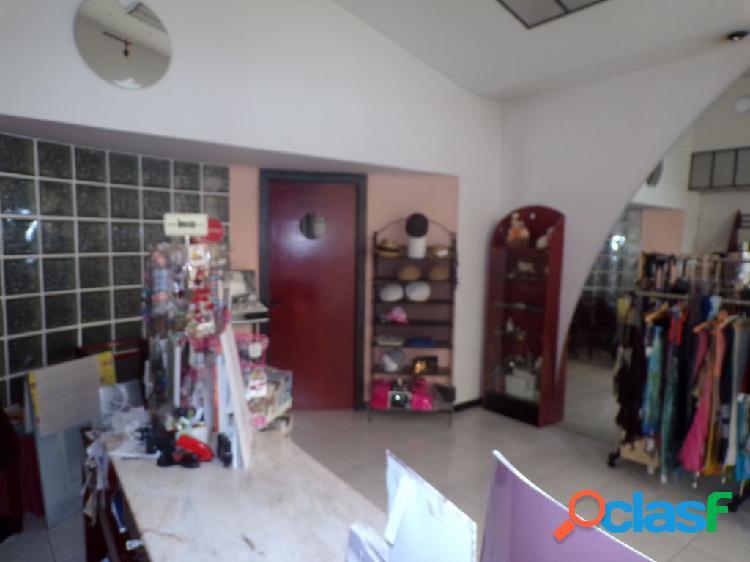 Local comercial en castellón de la plana y garaje incluido en el precio no dudes y visitalo