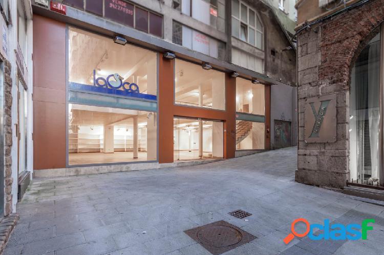Venta o alquiler de estupendo local comercial en el centro de santander de 800m2.