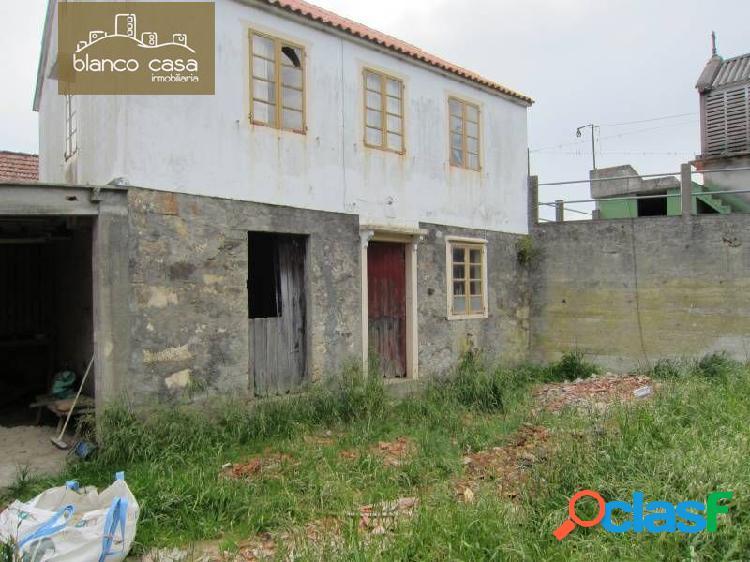 Casa para restaurar con 2.961m2 de terreno urbanizable en lema