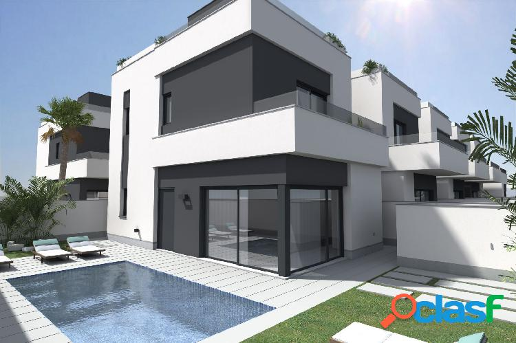 Villa independiente con 3 dormitorios en orihuela costa.