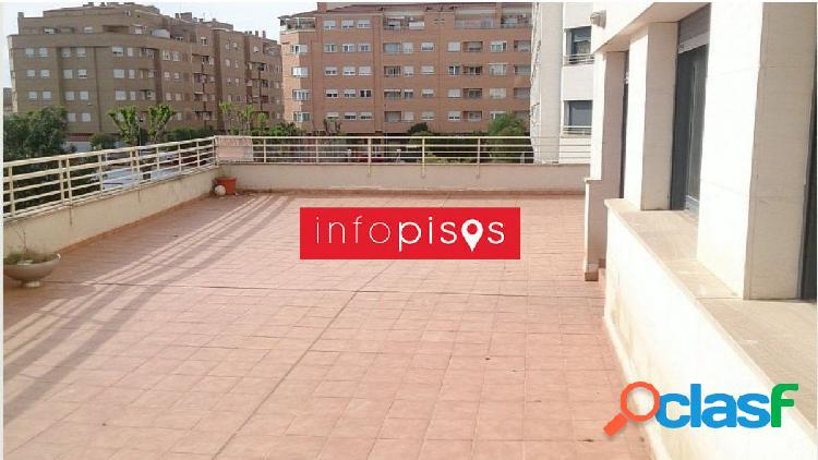 Gran vivienda 4 habitaciones 2 baños terraza 8o m2 zona circunvalacion
