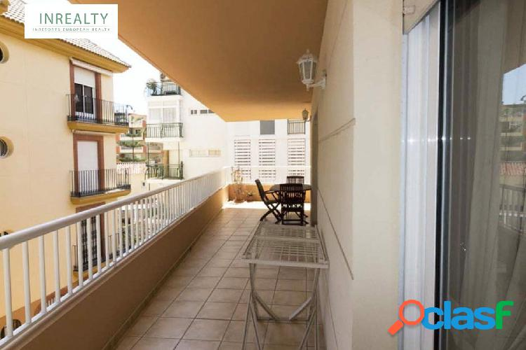 Inrealty ofrece piso en 2da línea de playa- Fuengirola.