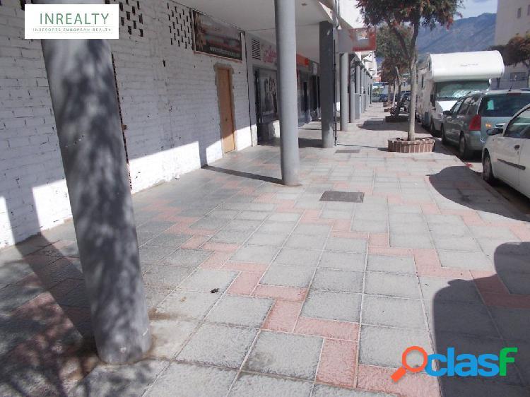 INREALTY VENDE O ALQUILA LOCAL COMERCIAL EN LAS LAGUNAS. MIJAS