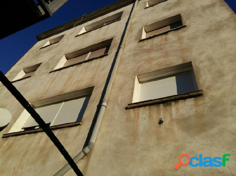 Edificio en venta con inquilinos en el pont de vilomara
