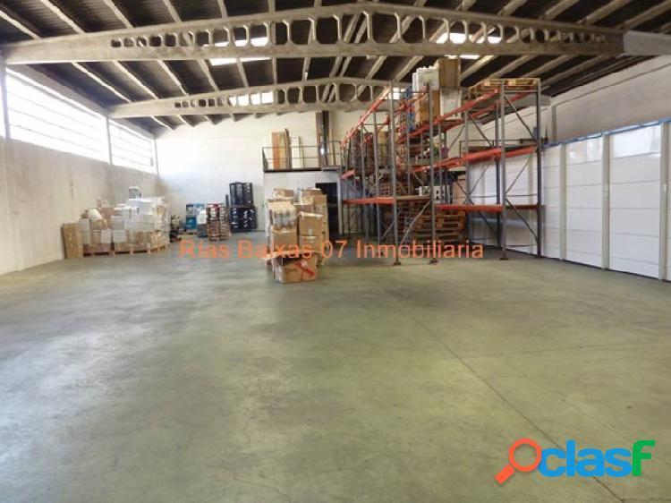 REF 4866 NAVE SEMIDIAFANA 700 m2 CON 4 OFICINAS Y BAÑOS