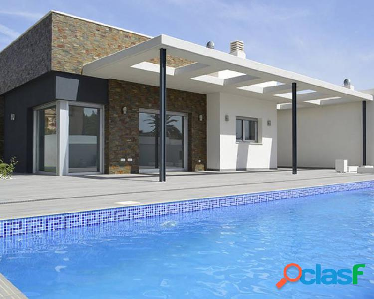 Chalet independiente con pisci