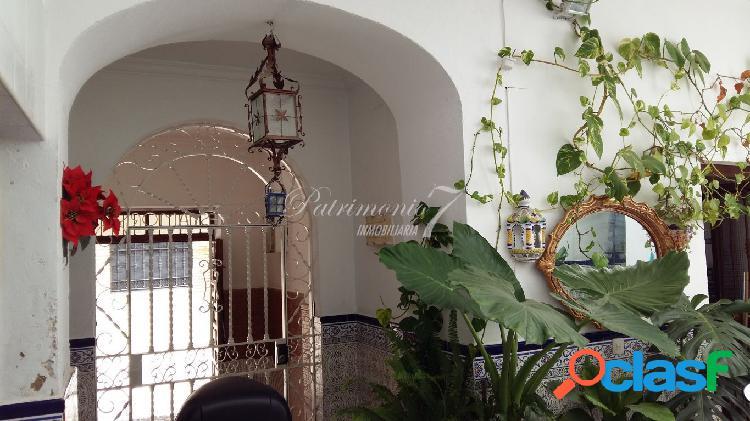 ¡¡¡ llamenos !!! casa en san miguel con dos plantas. patio central y azotea